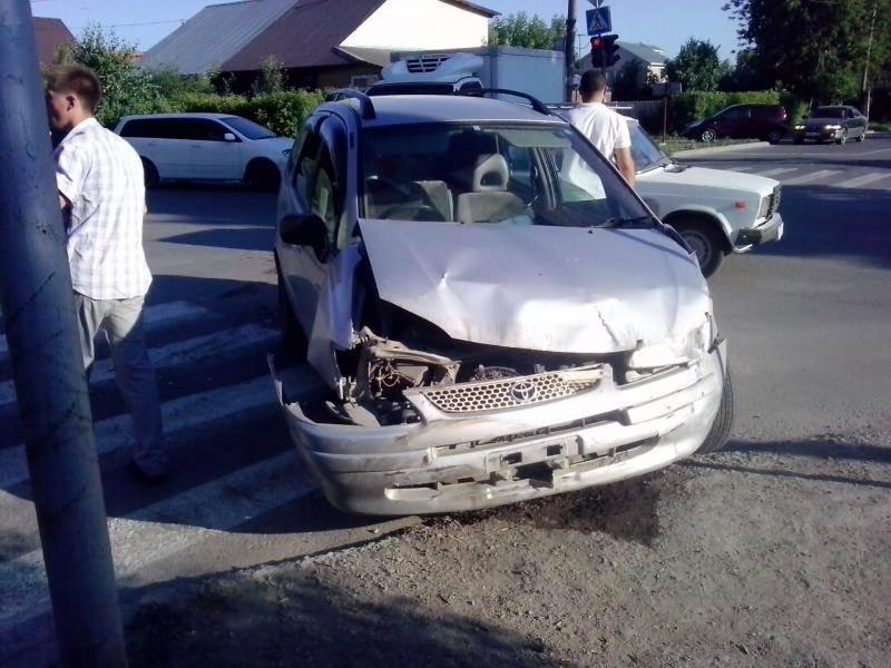 В тройном ДТП в Бердске пострадала 12-летняя пассажирка «Тойоты»