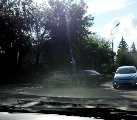 В жестком столкновении автомобилей в Бердске никто не пострадал