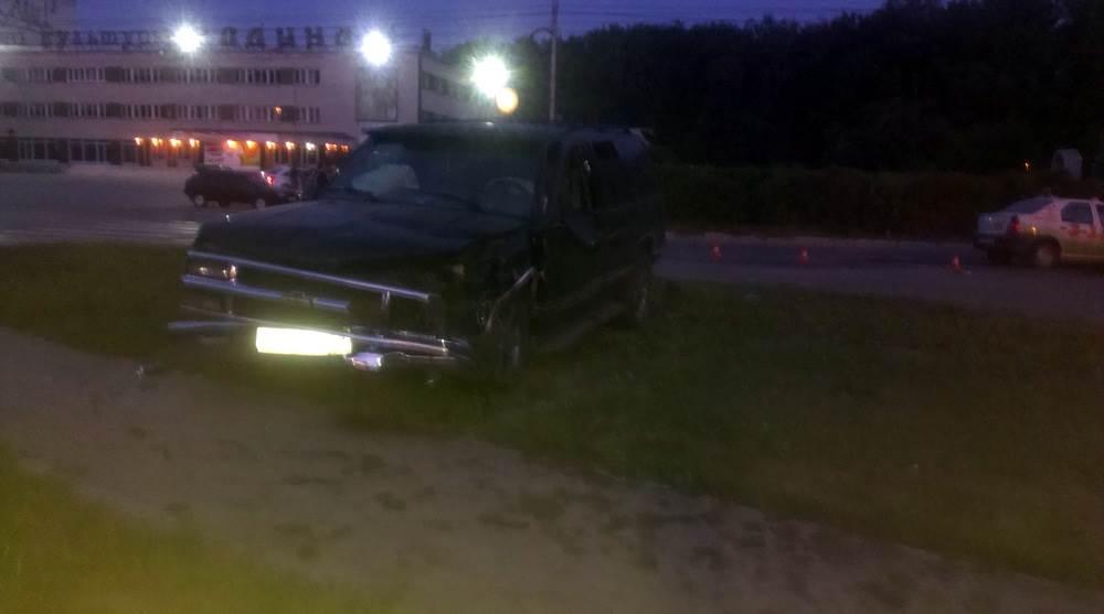 В ночной аварии у ДК «Родина» в Бердске пострадал таксист