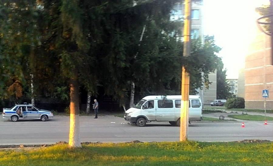 Маршрутка сбила велосипедистку в Бердске