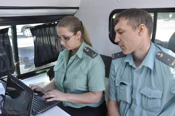 В Новосибирске «охотятся» за должниками