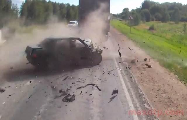 ВИДЕО: На трассе М-53 водитель «десятки» устроил массовое ДТП