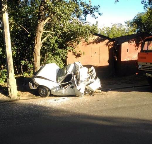 ФОТОФАКТ: КамАЗ уничтожил Daewoo в Новосибирске