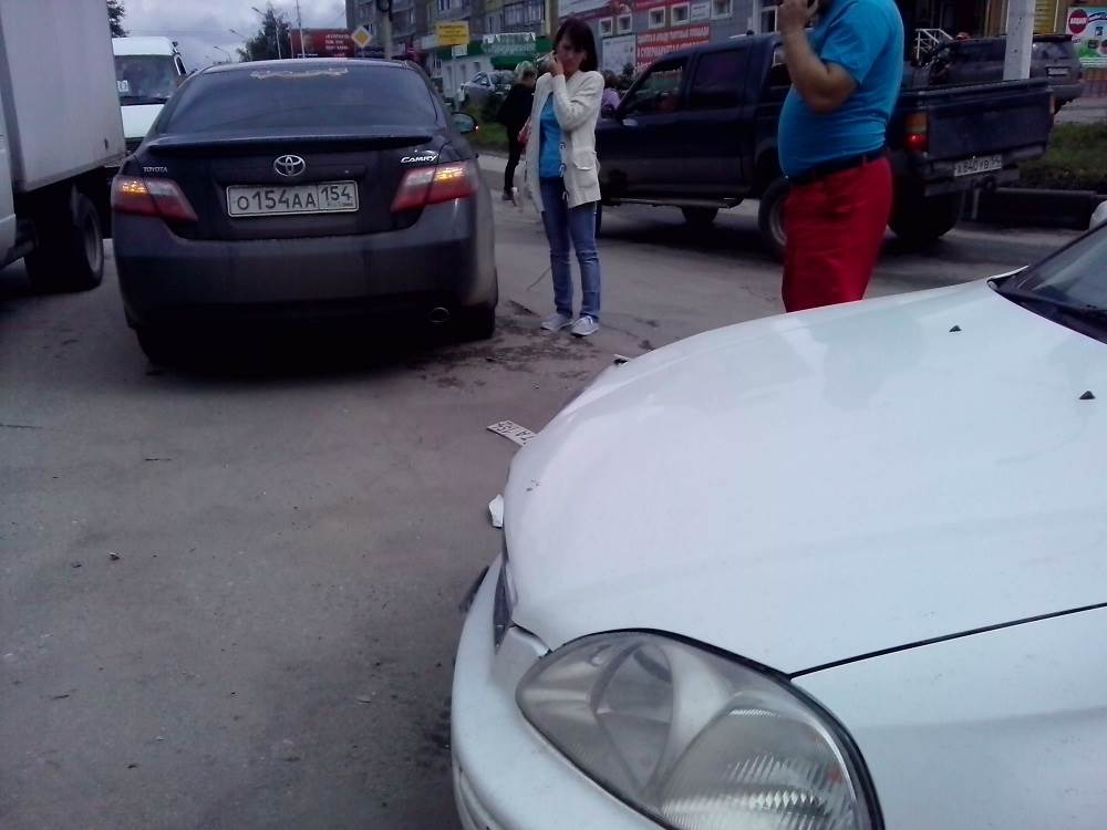 Столкнулся в центре Бердска и убежал. Полиция вычисляет нарушителя