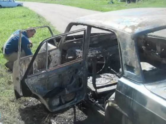 Из-за недосмотра родителей в автомобиле сгорели двое малышей