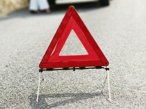 В столкновении ВАЗа с грузовиком в Искитимском районе пострадали дети
