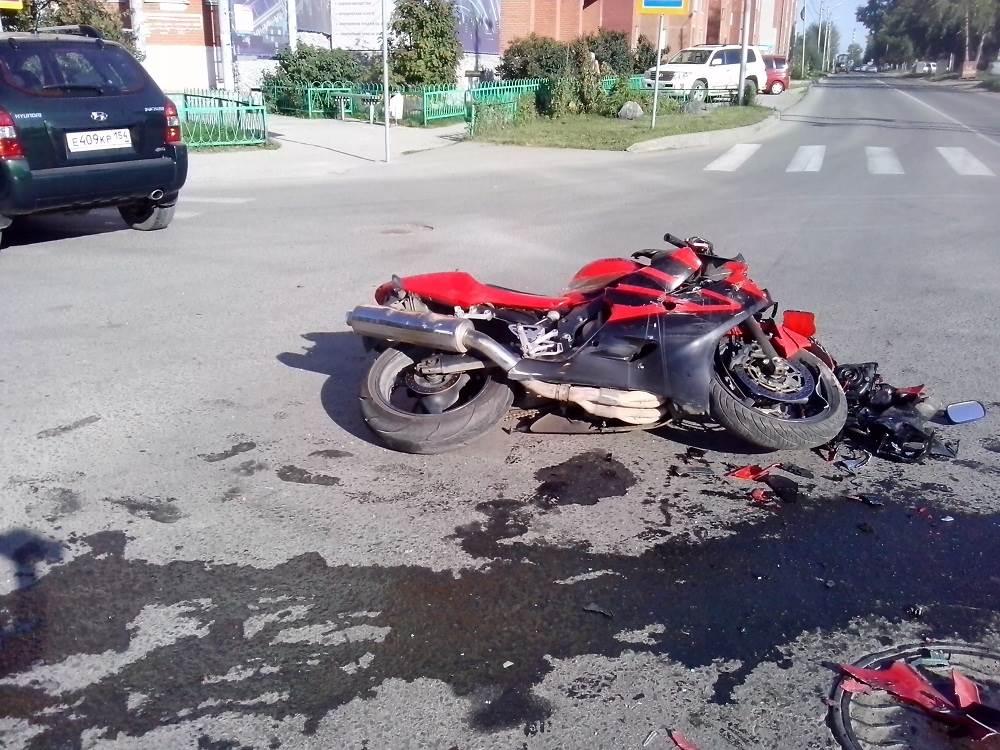 Разбившиеся на перекрестке в Бердске «мотогонщики» были пьяны