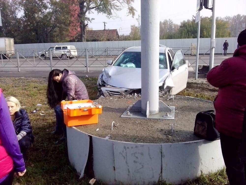 ДТП с пострадавшей на аварийно-опасном перекрестке в Бердске