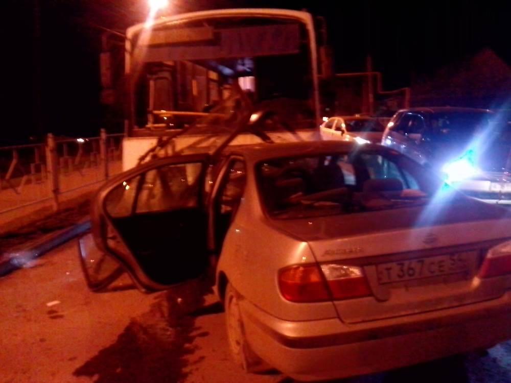 Умер водитель «Ниссана» таранившего пассажирский автобус в Бердске