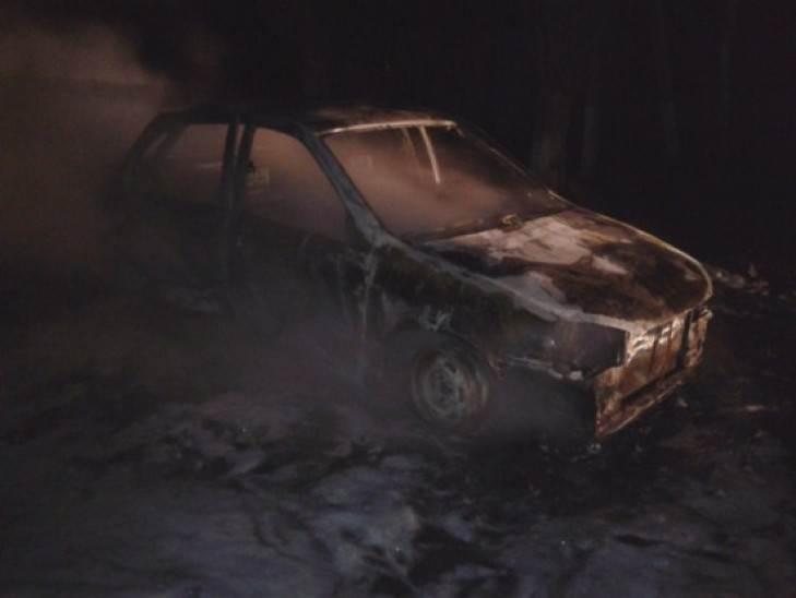 Умышленно подожгли автомобиль в Искитиме