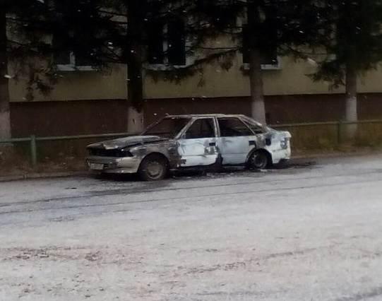 Под Бердском сгорел автомобиль у дома №13