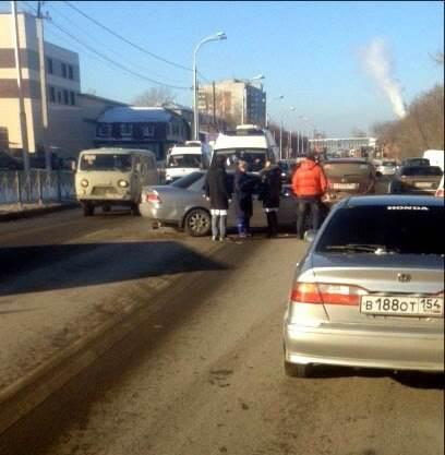 В двух авариях на трассе в Бердске пострадали два человека