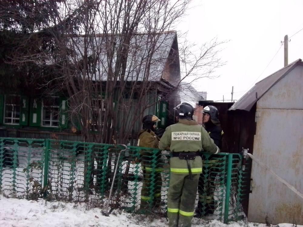 На ул. Пушкина в Бердске выгорел частный дом