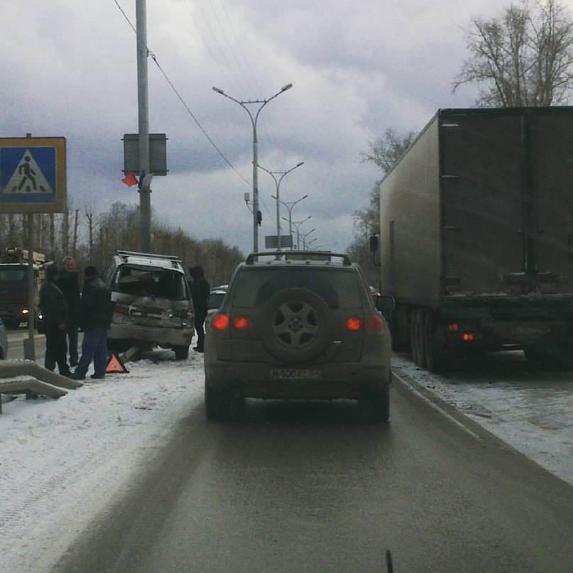 Дальнобойщик из Ханты Мансийска устроил серьезное ДТП на М-52