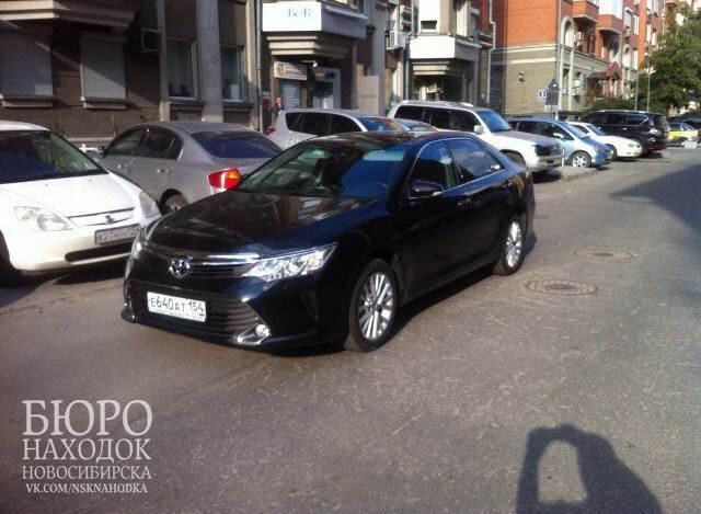 Разыскивается черный Toyota Camry