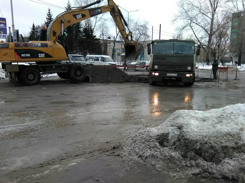 ФОТОФАКТ: Предновогодние дорожные хлопоты в Бердске