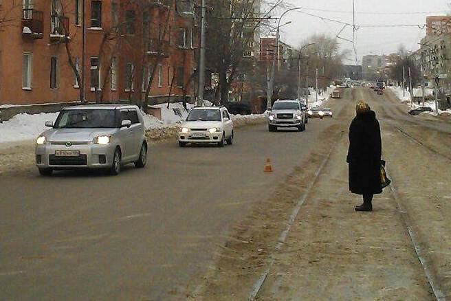 «Мерседес» наехал на 9-летнего пацана в Новосибирске