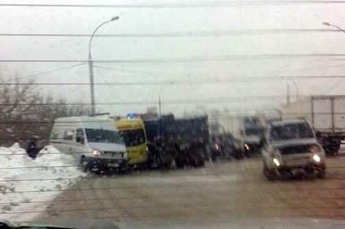 В крупном ДТП в Новосибирске пострадали 6 человек
