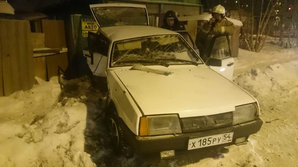 В жестком столкновении двух автомобилей в Бердске травмирован пассажир