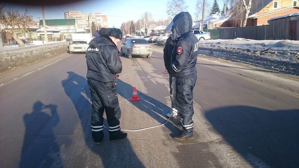 Пешеход перелетел через дорогу в Бердске и оказался в больнице