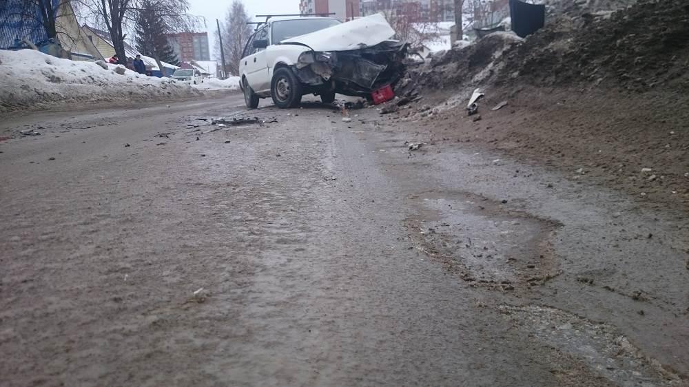 Колея от бердских дорожников способствует ДТП в Бердске