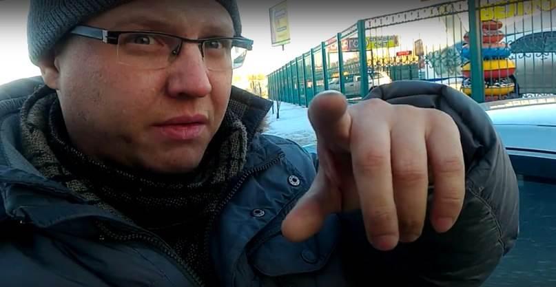 Подрядчик, чинивший дорогу в Бердске, заплатил деньги за ущерб водителю «Мазды»