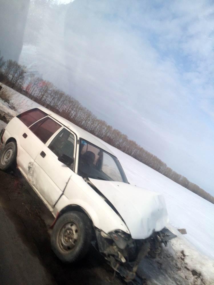 ФОТОФАКТ: Подбитая «потеряшка» стоит на дороге под Бердском