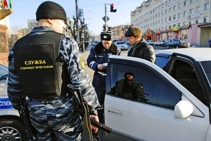 Шестерых автомобилистов в Бердске заставили ходить пешком