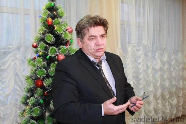 Евгений Шестернин велел коммунальщикам вести ямочный ремонт в Бердске без выходных