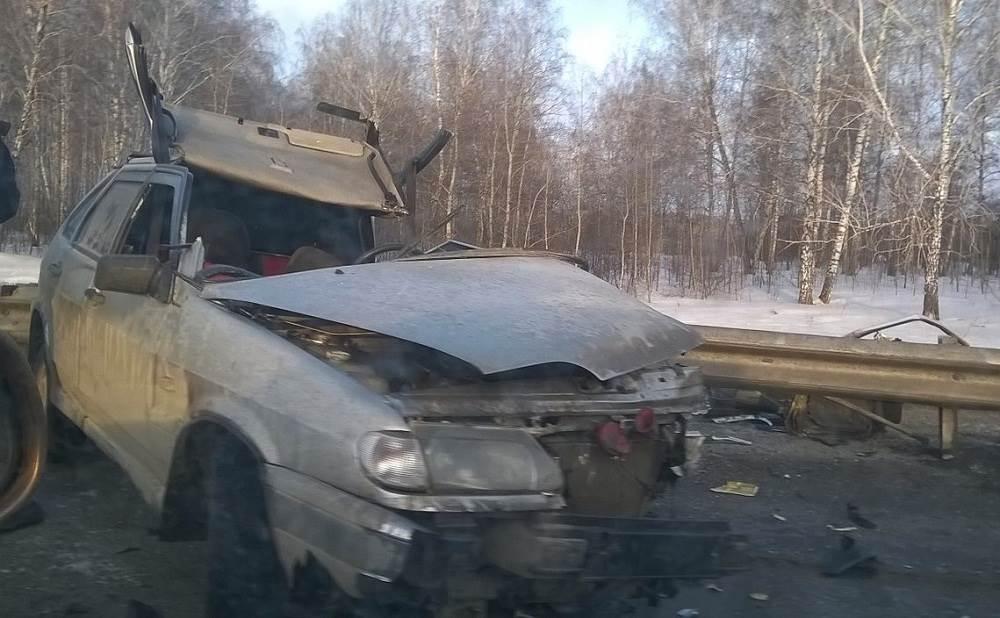 Погиб водитель «Лады» в столкновении с двумя грузовиками на трассе М-52