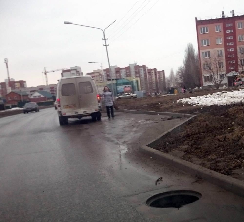 ФОТОФАКТ: «Черная дыра» на Космической в Бердске