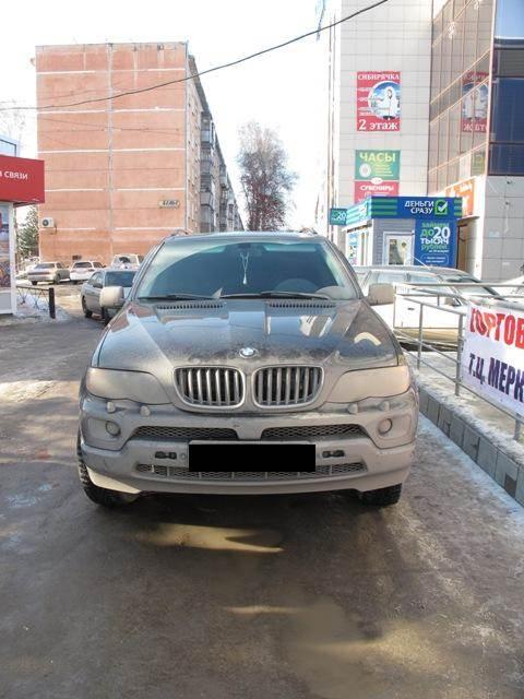 Владелец СТО в Бердске торговал «синтетикой» из черного BMW