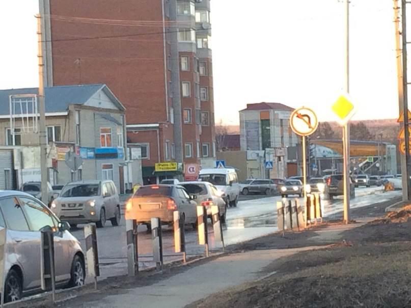 Запретом «левых поворотов» на Первомайской в Бердске недовольны жители Северного