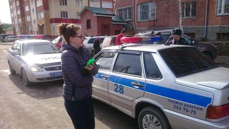 Девушка на Дайхацу «собрала в кучу» четыре автомобиля на парковке в Бердске