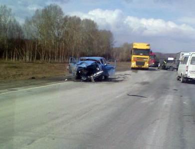 Жесткое лобовое на трассе М-52 в Искитимском районе: «Волга» vs КИА