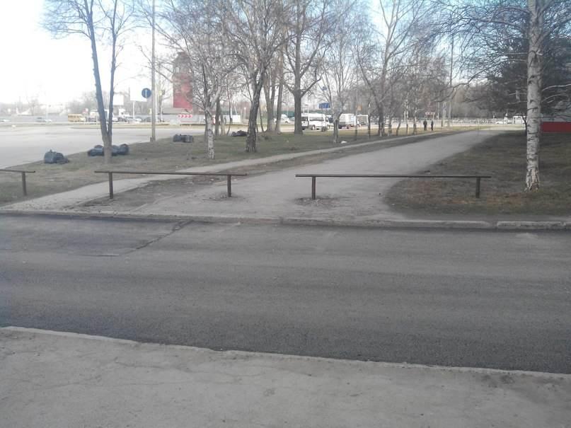 Розыск: Кто ограничил проезд к ДЮСШ в Бердске?
