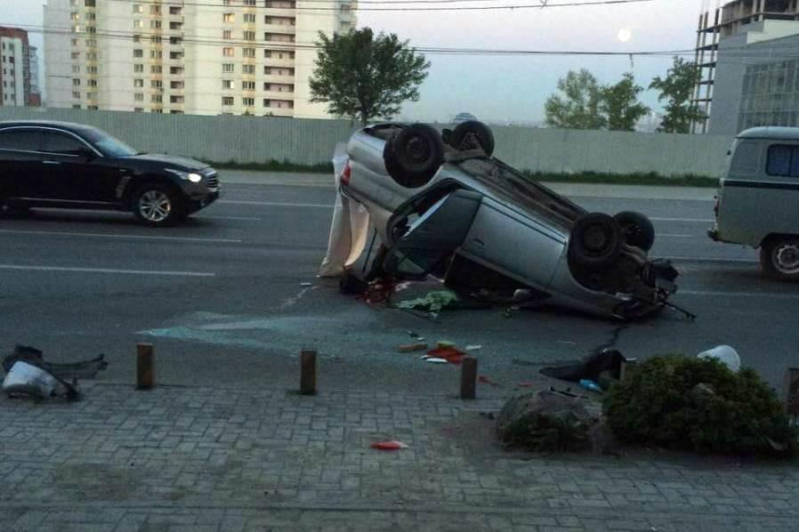 Погибла 21-летняя пассажирка такси в Новосибирске