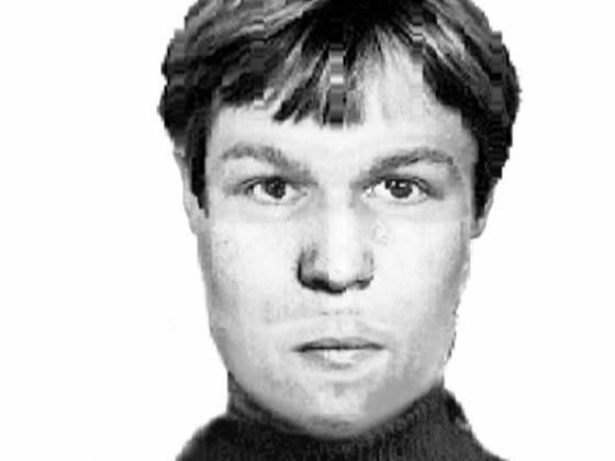 Разыскивается мужчина на черной иномарке ограбивший «Пивной дом» в Искитиме