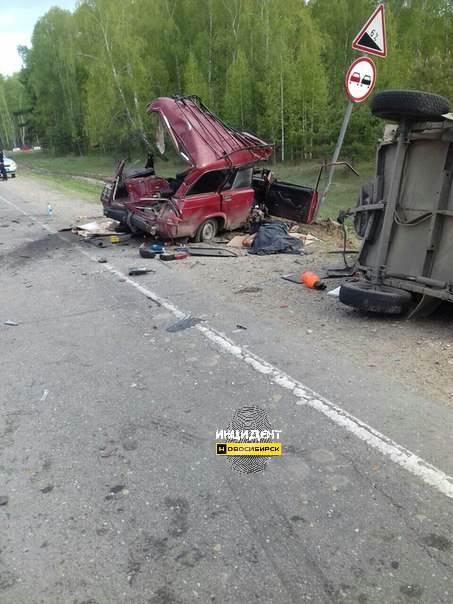 Два человека погибли в тройной аварии на трассе М-52 под Тальменкой