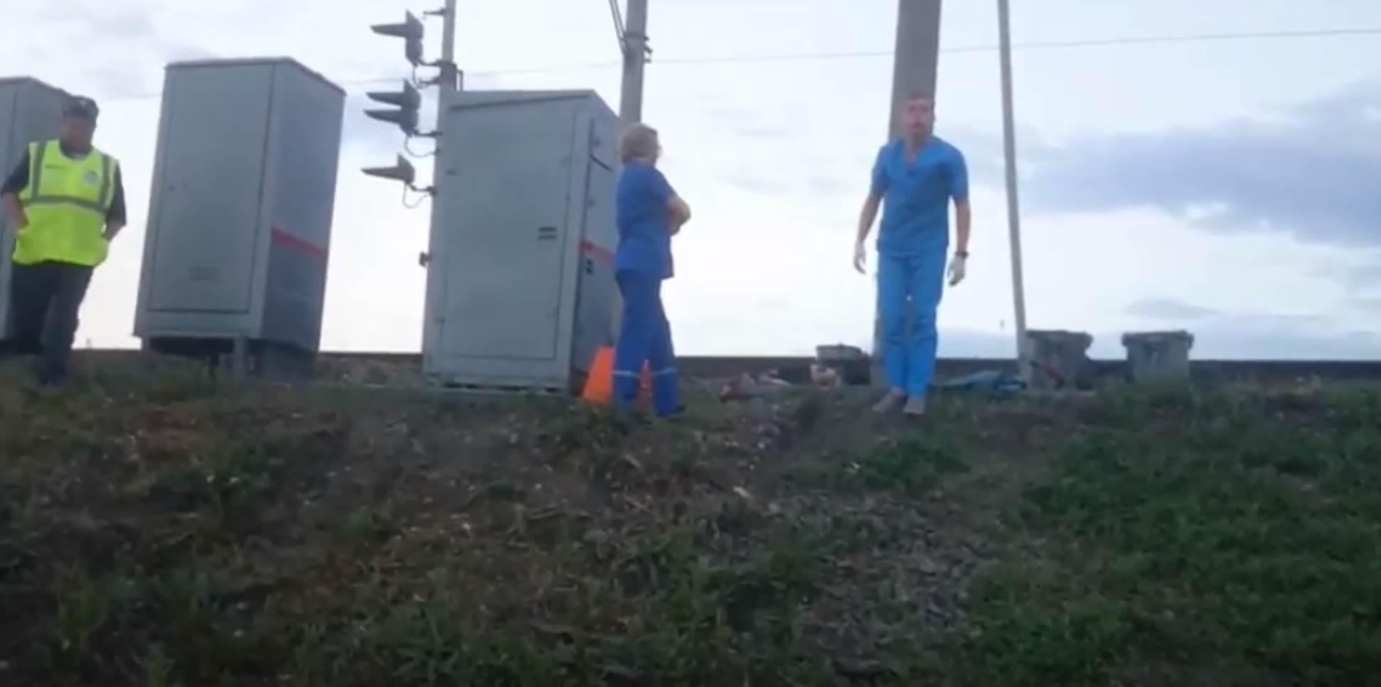 Товарняк насмерть сбил мужчину в Бердске (видео)