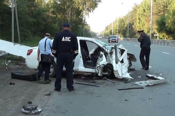 Мужчина на «китайце» разрушил стелу в Новосибирске и погиб
