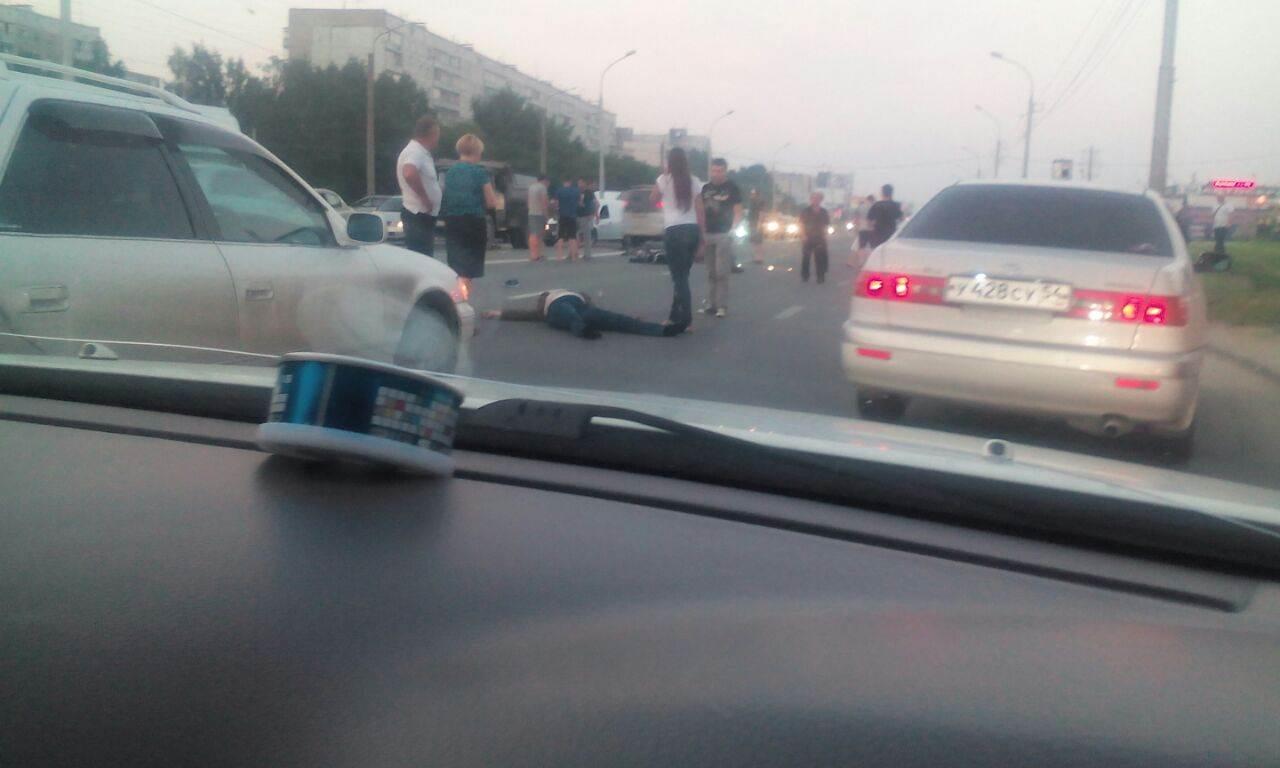 В Новосибирске разбился байкер. Погибла его мать, сидевшая на пассажирском сидении