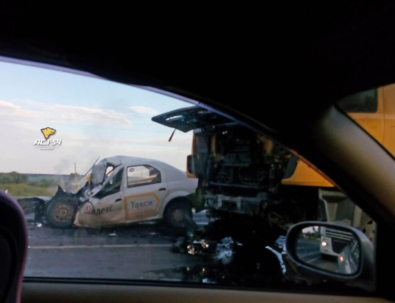 Таксист погиб в лобовом столкновении у деревни Евсино