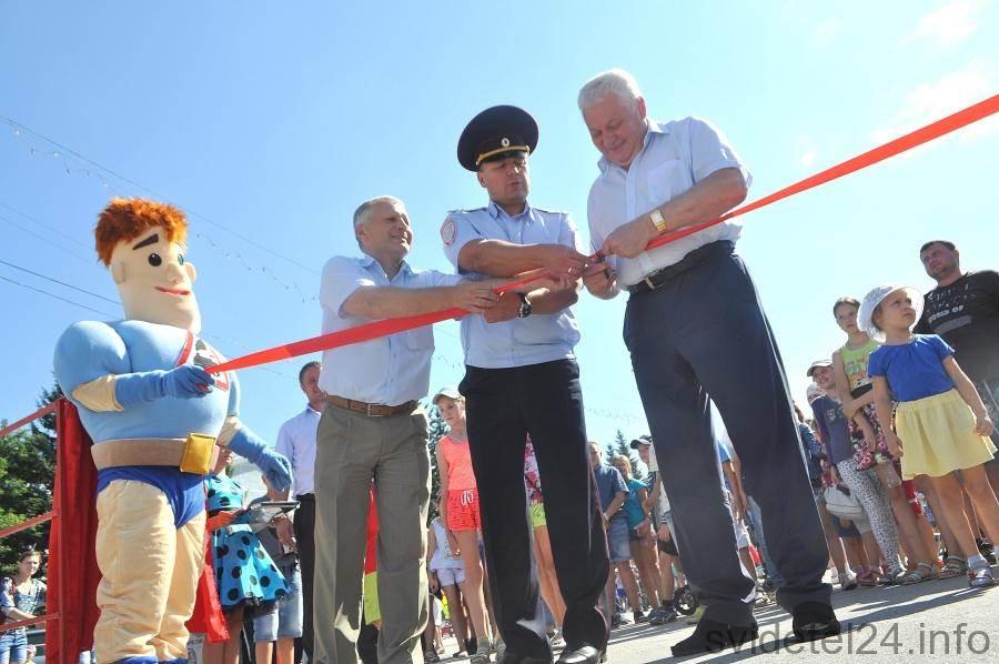 В Бердске появился мобильный автогородок для юных автомобилистов