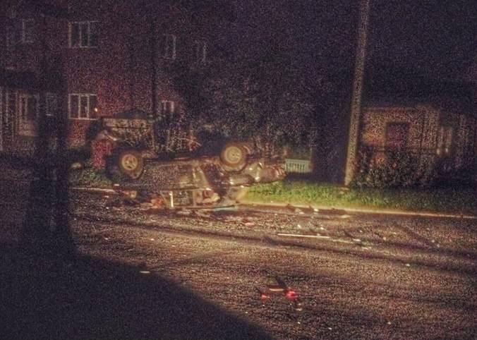 Мотоцикл перевернул автомобиль ночью в Бердске