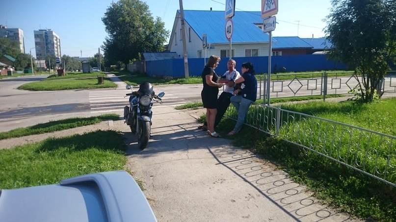 Автоледи на «Субару» сломала ногу мотоциклисту на «Хонде» в Бердске