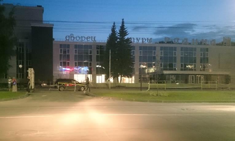 Любителям авто Бердска запрещают ночные покатушки у «Родины»