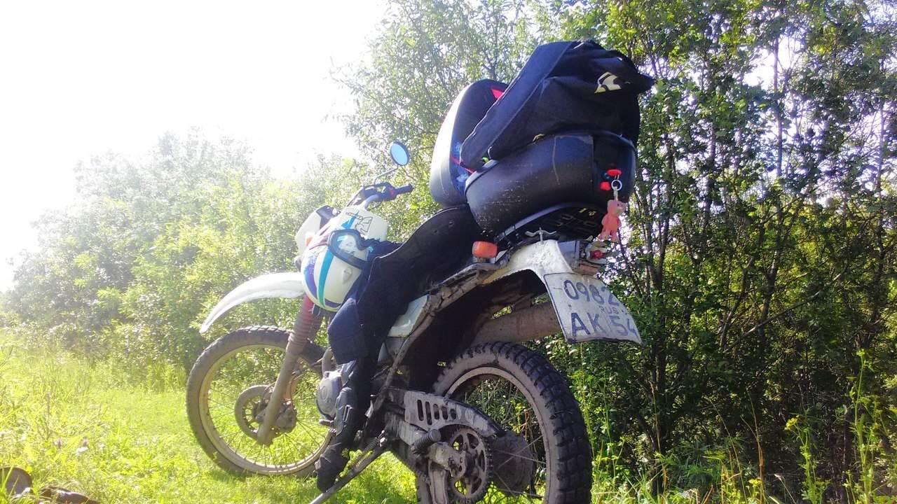 Злоумышленники угнали мотоцикл со стоянки в Бердске, и три — не смогли завести