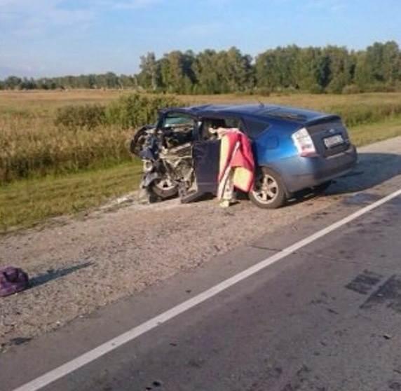 Под Новосибирском в столкновении двух легковушек погибло 6 человек. Среди погибших двое детей