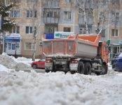 Для очистки автодорог Бердска сегодня вышли 18 единиц техники